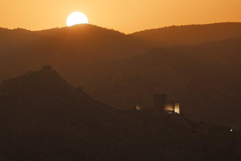 Пейзаж, солнце Генуэзская крепость, Судакphoto preview