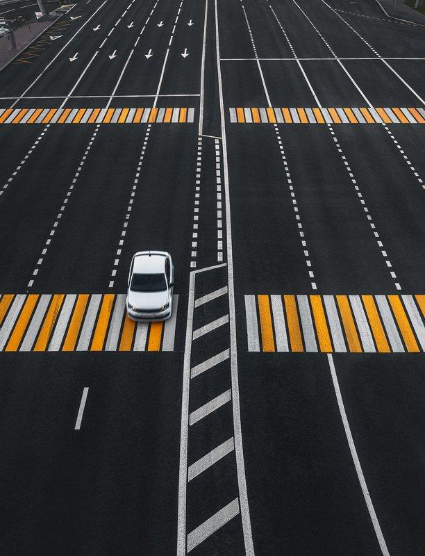 пустой город, машина, дорога, москва, разметка, транспорт, город, переход один на дорогеphoto preview