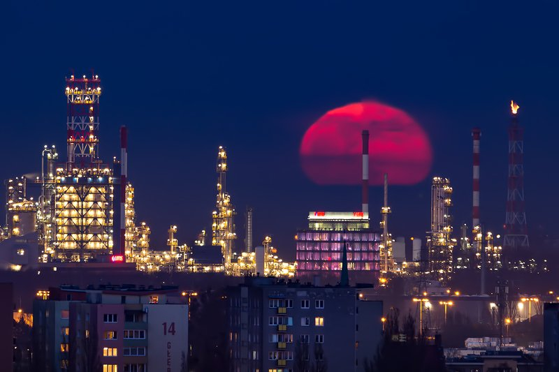 moon, moonrise, poland, supermoon, pink, refinery Rise of the Supermoonphoto preview