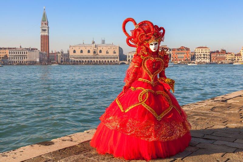 italy, venice, carnival, red  Carnivalphoto preview