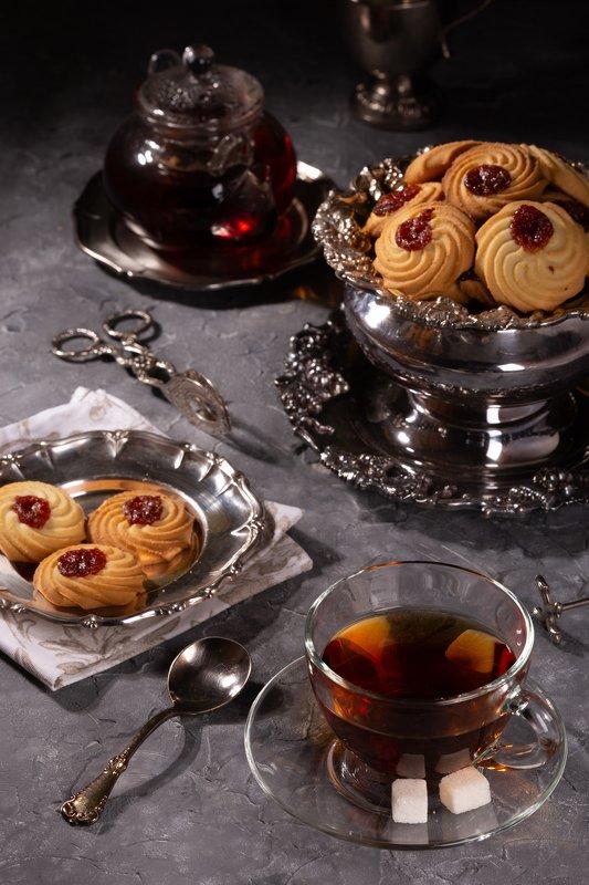 Чай с печеньемphoto preview