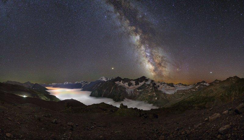 ночь эльбрус ночной пейзаж астрофотография звезды созвездия Ночь над Баксанской долинойphoto preview