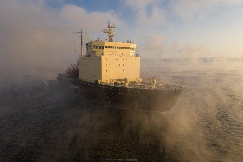 заполярье, мурманск, кольский залив, ледокол, закат, судно Капитан Драницынphoto preview