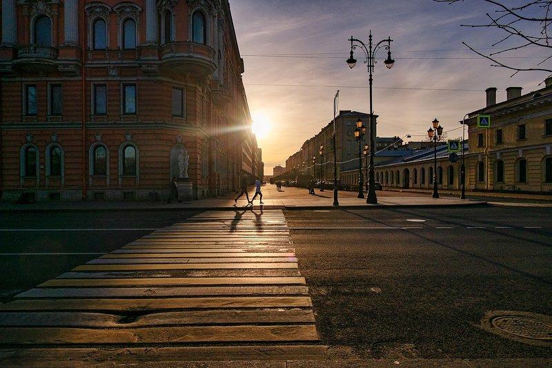 город, солнце, закат, улицы, бег, весна, архитектура Пробежкаphoto preview