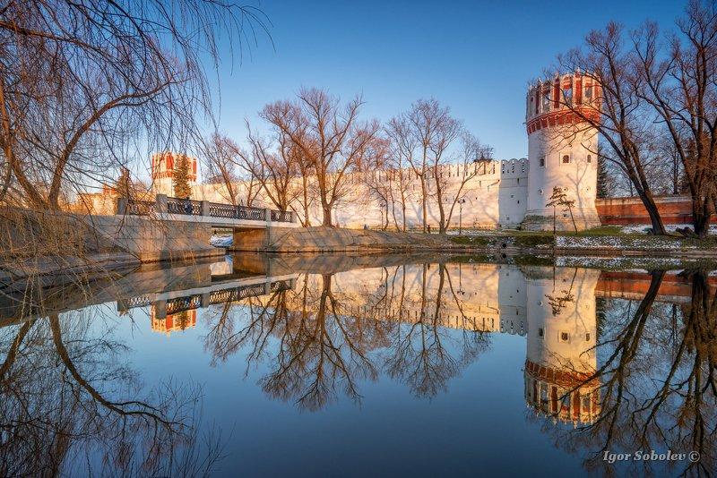 новодевичий монастырь, весна, москва, отражение Вечер у Новодевичьегоphoto preview