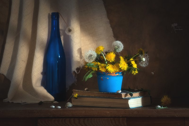 натюрморт с синей бутылкойphoto preview