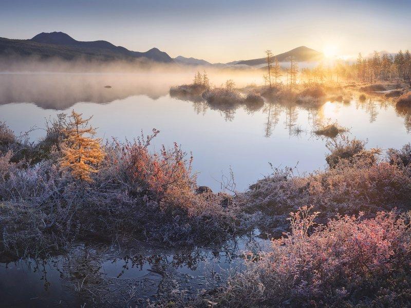 туман, осень, колыма, озеро, иней Встречая морозный рассветphoto preview