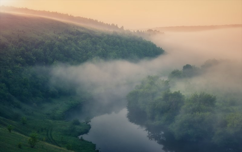 Укрывшись туманом.photo preview