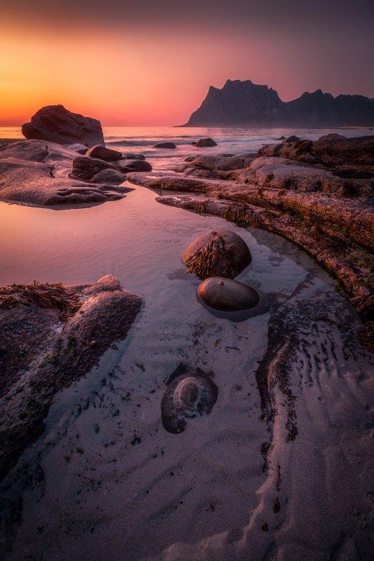 landscape, sunset, beach, rocks, sea, ocean, mountains, stones, sky, light Uttakleivphoto preview