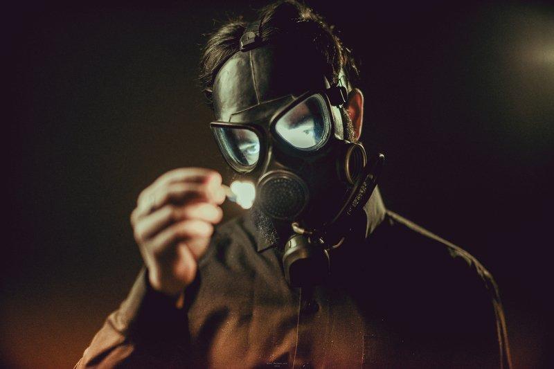 portrait,people,nikon,d600,d810,man,gasmask,pollution Stay #5photo preview