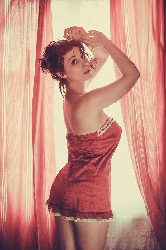 девушка, ночнушка, портрет, у окна  Викторияphoto preview