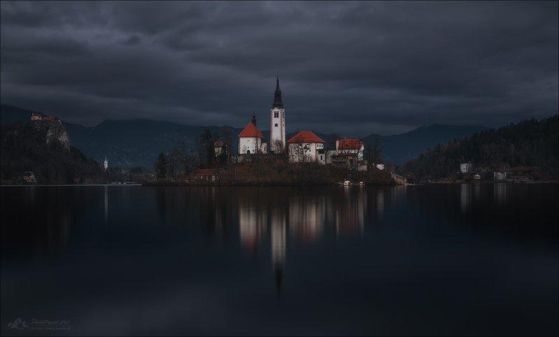 Блед, Словения, зима, Slovenia, lake Bled, Bled,  Пасмурный Блед ..photo preview