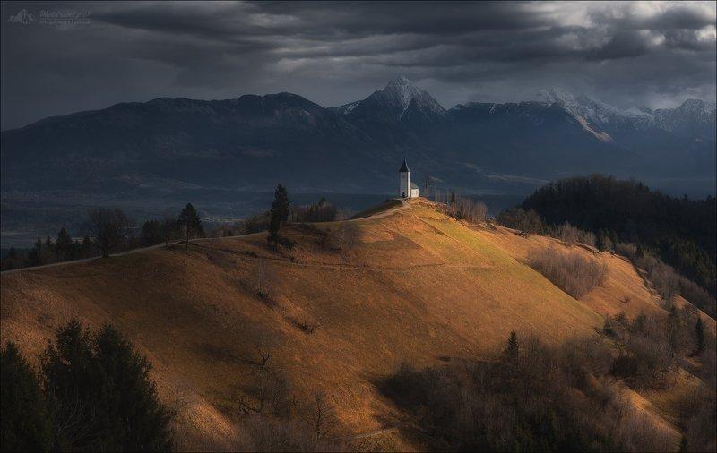 Словения, Ямник, Альпы, Slovenia, Jamnik, Kamnik–Savinja Alps Разделение светом ..photo preview