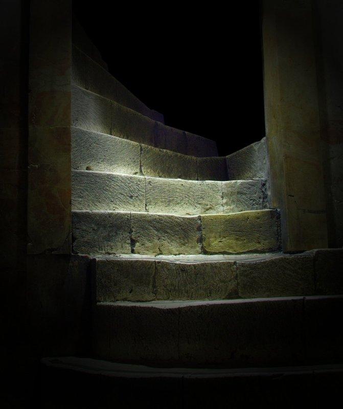 Храм Гроба Господня, Голгофа, ступени Ступени на Голгофу. photo preview