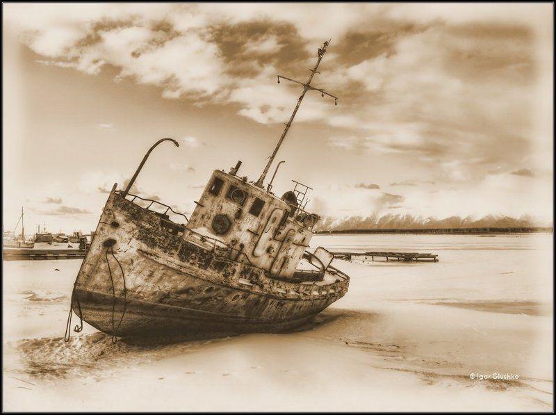 байкал, корабль, берег, зима Лучше лежать на дне....photo preview