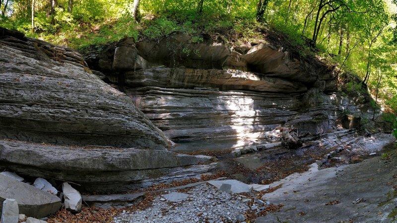 лето природа пейзаж скалы лес горы река В дебрях реки Тхабphoto preview