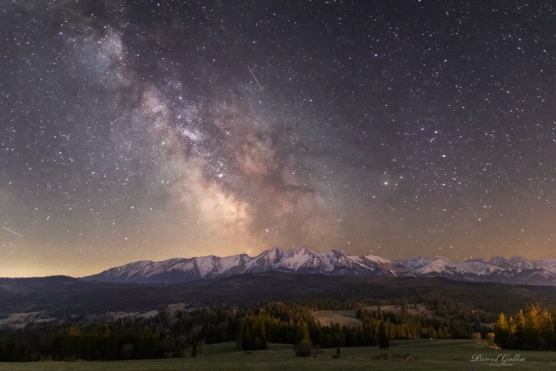 Milky Way over Tatra Mountainsphoto preview