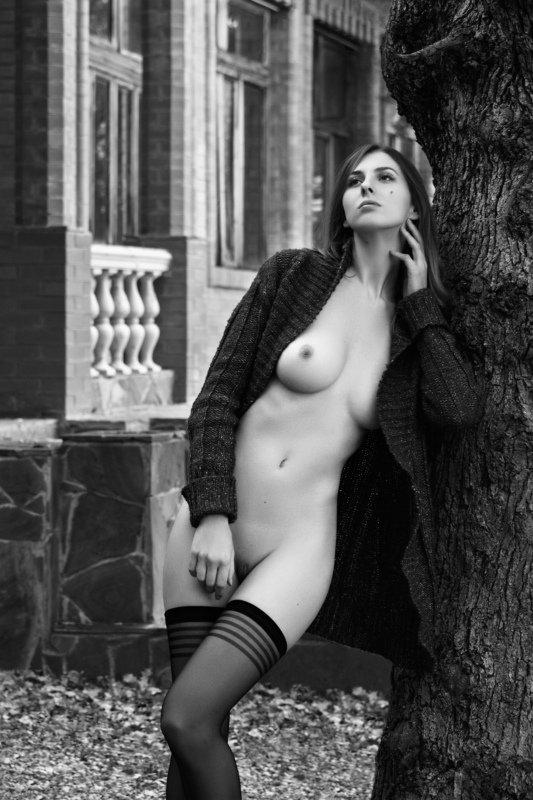 ню,модель,настроение,девушка,обнажённая,ч/б,nude,model Её мыслиphoto preview
