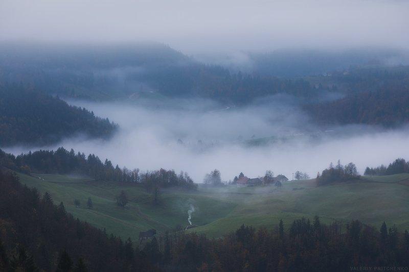 Slovenia mist morning autumn landscape nature Словения природа пейзаж горы туман утро photo preview