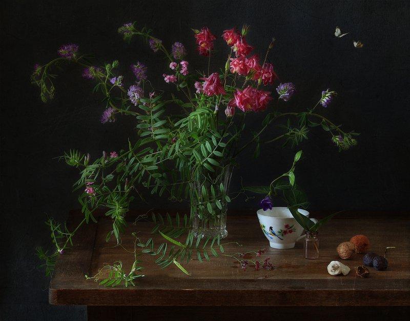 натюрморт В тишине луговых цветов ..photo preview