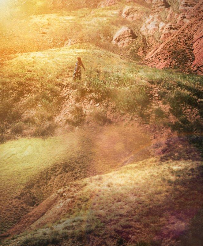 природа,девушка,солнце,горы Свободы горстьphoto preview