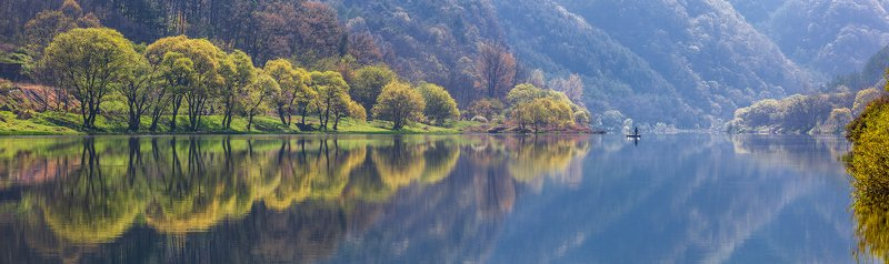 lake, water, reflection, light, mountains, boat, trees Journey to the springphoto preview
