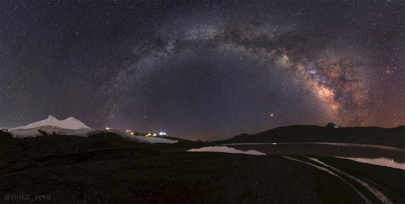 ночь эльбрус ночной пейзаж астрофотография звезды созвездия Эльбрус и бездна звездphoto preview