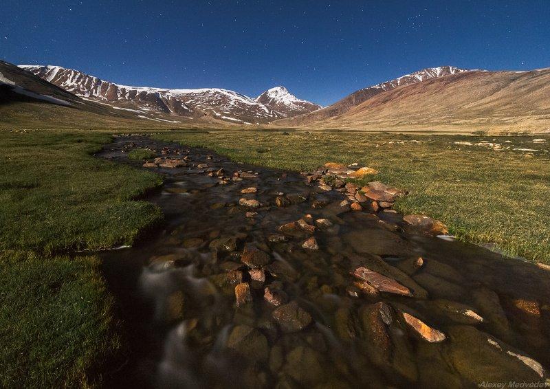 mountains, горы, Памир, скалы, Таджикистан, тракт, вахан, гбао, Tajikistan, бадахшан, памирский Холодные реки высокогорьяphoto preview
