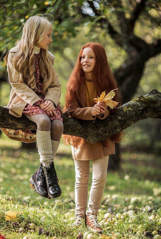 девочки, подружки,красотки, прогулка,лес, плэнер, girls, children, beautiful, pretty, girlfriends, woodland Подружкиphoto preview