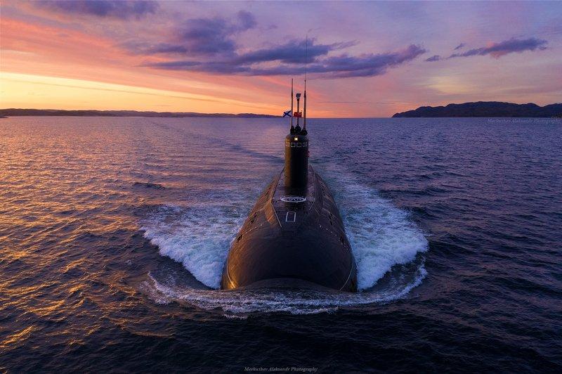 заполярье, мурманск, кольский залив, субмарина, закат, судно ДПЛ Калугаphoto preview