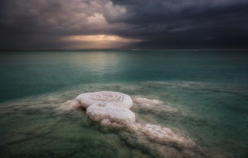Rainy Salt Landphoto preview