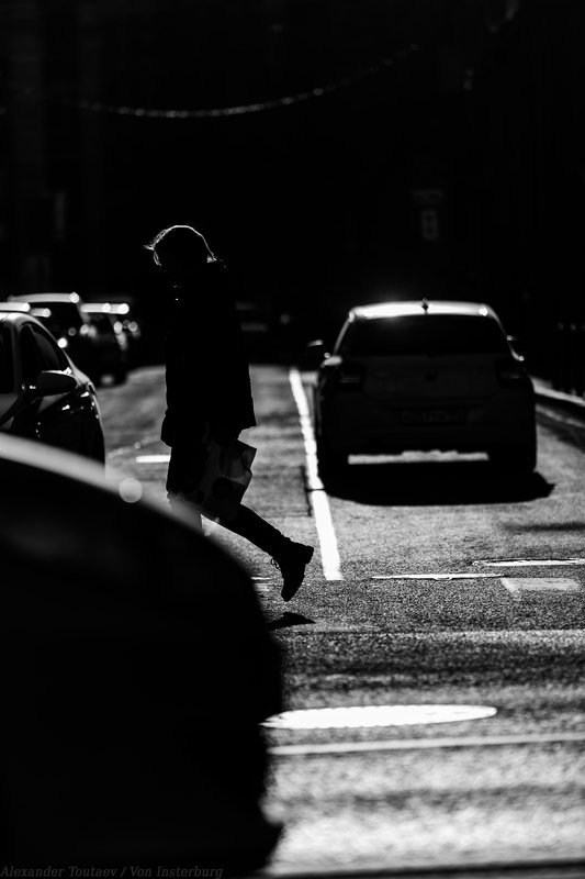 street, street photography, streetphoto, people, urban, cars, light, shadow, город, улица, люди, цвет, желтый,  ***photo preview