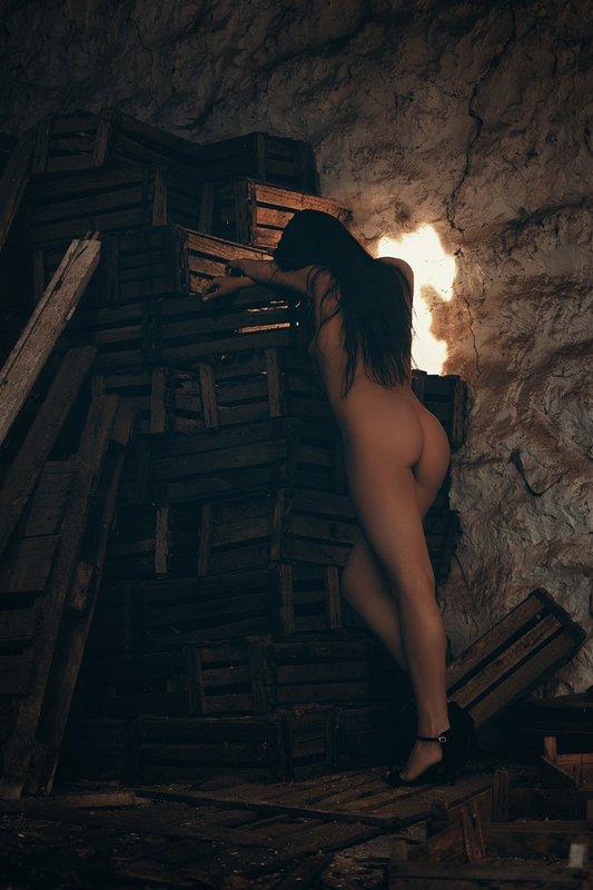 девушка, модель, ню Худая крыша.photo preview