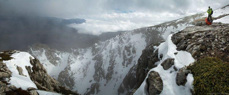 горы, Крым, облака, скалы, Чатырдаг, ангар, кулуар, Украина Скалистый Ангарphoto preview