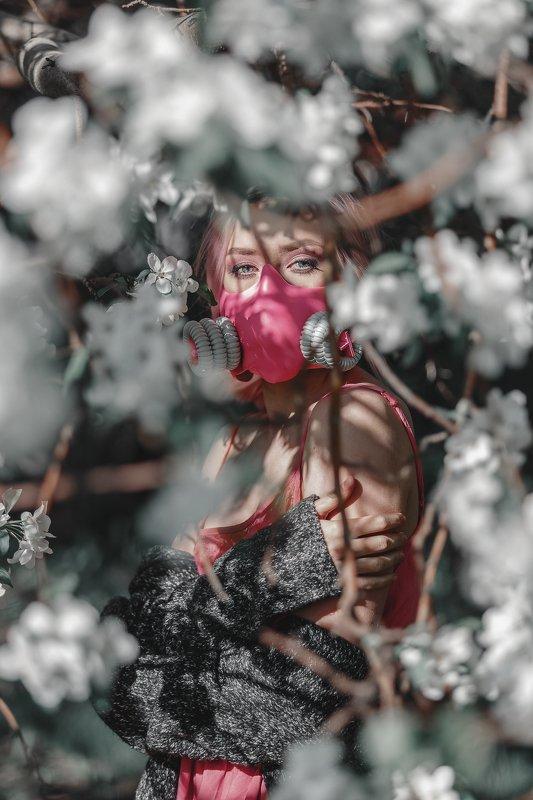 spring, apple trees, mask, covid-19, весна, яблони, маска, девушка, портрет. The spring we deserve.photo preview