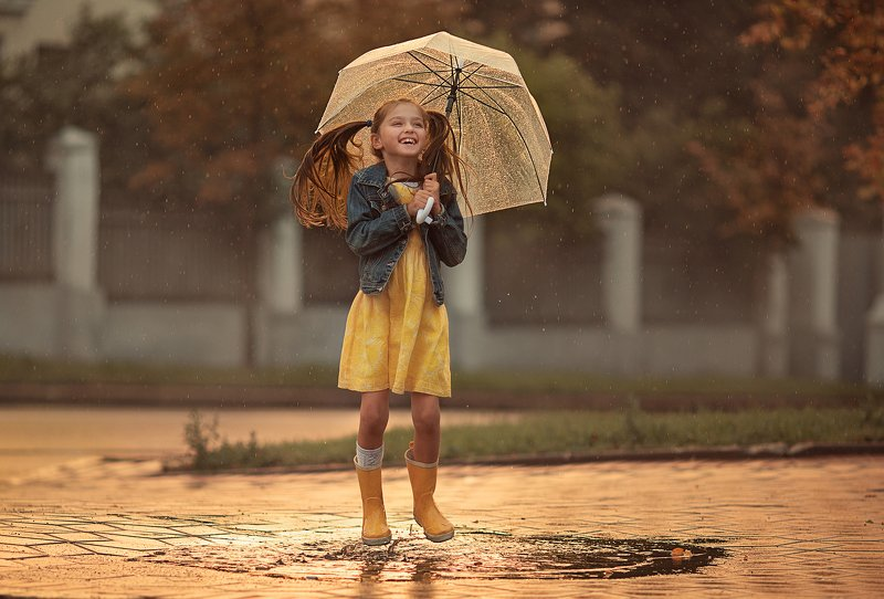 Дождь, дети, лето, солнце, закат Летний дождьphoto preview