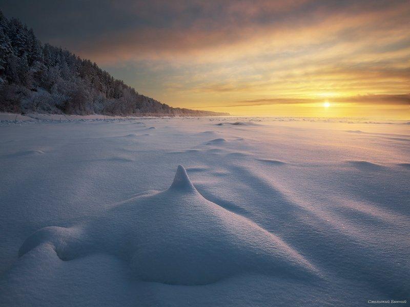 река, зима, мороз, закат, снег, вечер Снежная акулаphoto preview