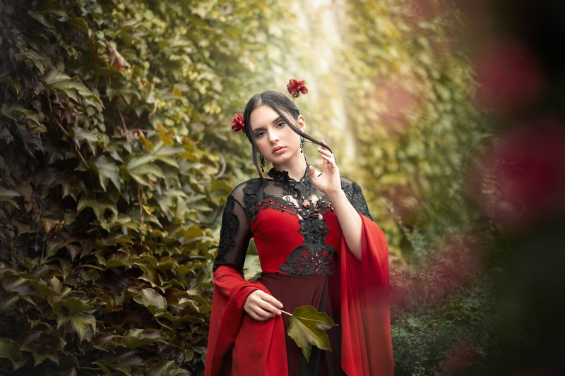 woman dark romantic fairytale Anitaphoto preview