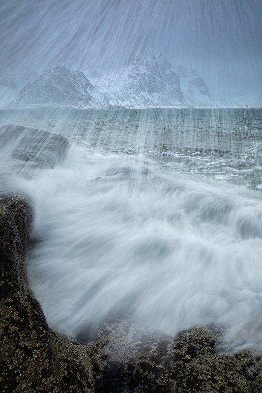 sea,wave,water,winter,lofoten,norway,norwegian,storm,splash,scandinavia,flakstadpollen,vareid, When it hits too storng...photo preview