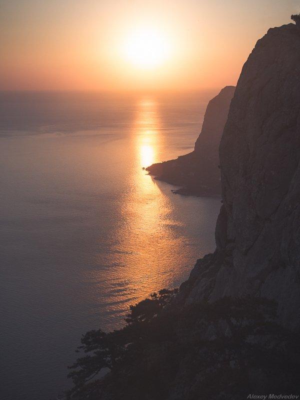 бухта, Крым, Ласпи, солнце, ильяс Вечерние стены Ильяс-Каяphoto preview