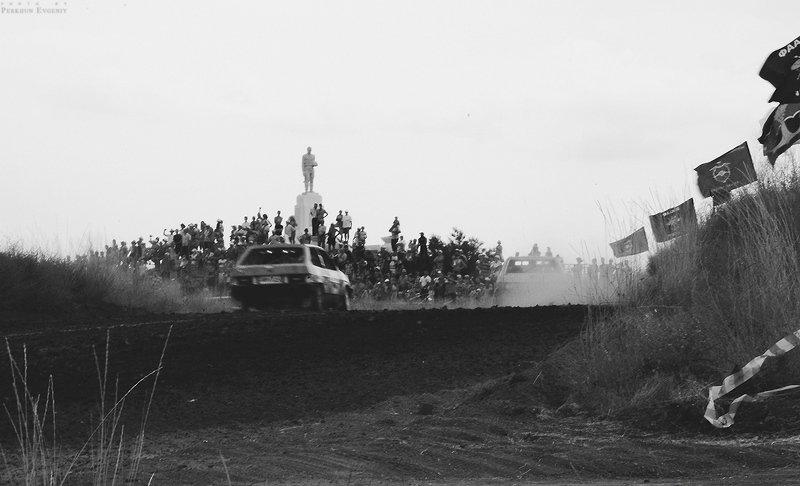 победа, георгиевская лента, флаги, знамя, флаг, 9 мая, день победы, герой, гонка, машина, авто, мемориал, воины, родина К Победе! (символичное фото)photo preview