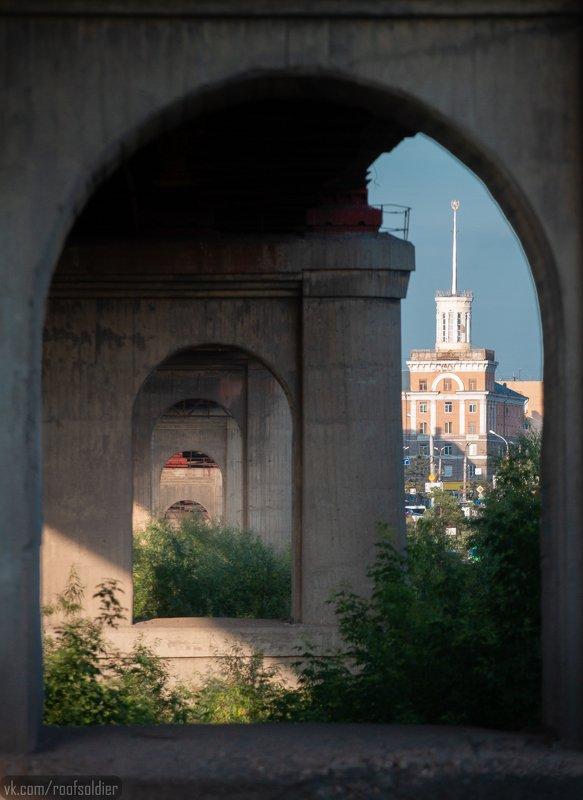 Пейзаж, город, архитектура, мост, геометрия, Омск, Россия Дом со Шпилемphoto preview