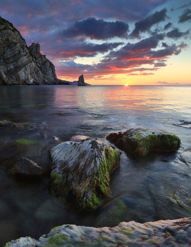 крым, ялта, скала парус, ласточкино гнездо, море, пляж, волна, пейзажи крыма, замок ласточкино гнездо, россия, закат Скала Парусphoto preview