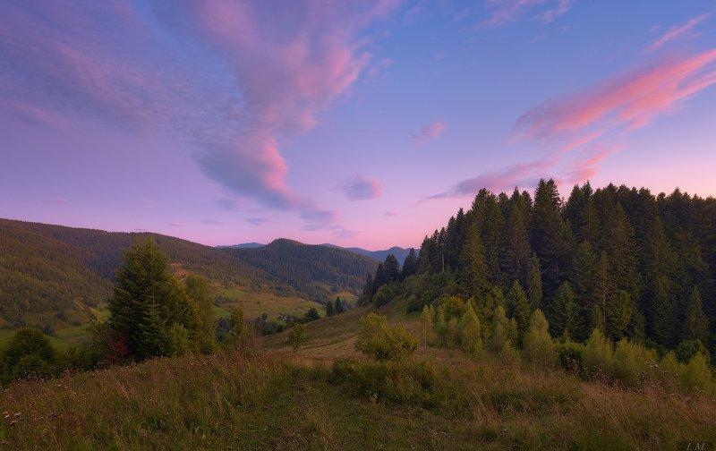 вечер, облака, небо, пейзаж, сумерки, лес, горы, карпаты, вид, лето, evening, sky, landscape, clouds, light, colors, mood, summer, travel, carpathians, view, mountains, dusk, twilight, panorama ***photo preview