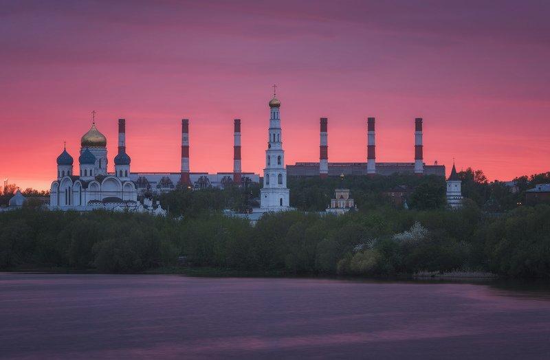 закат, река, монастырь, вечер Полыхал закатphoto preview