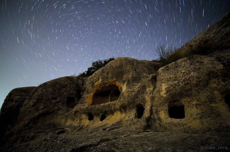 ночь крым ночной пейзаж астрофотография звезды созвездия млечный путь эски-кермен Эски-Керменphoto preview