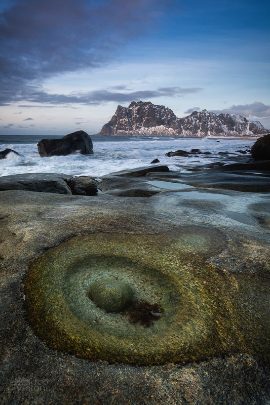utakleiv,lofoten,norway,beach,shore,sea,water,rock,stone,sky,winter, Rock vs. stonephoto preview