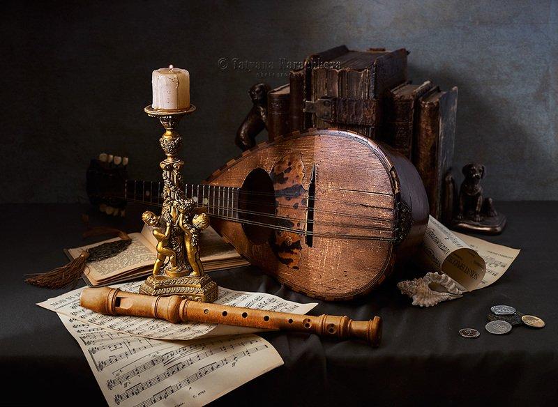 натюрморт, мандолина, свеча, подсвечник, ноты, музыкальные инструменты, блок-флейта, книги, ракушки Три натюрморта с музыкальными инструментамиphoto preview
