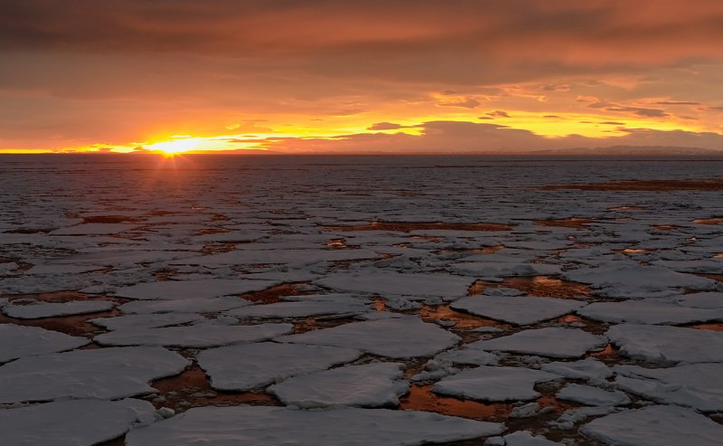 зима, лед, охотское море, рассвет, свет, отблески morning firephoto preview
