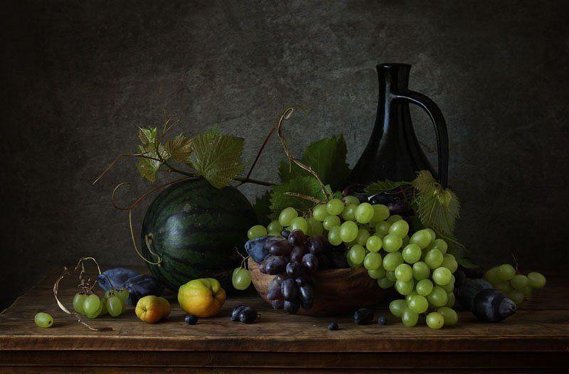 натюрморт, фрукты, виноград, арбуз, слива, айва, кувшин, тарелка ***photo preview